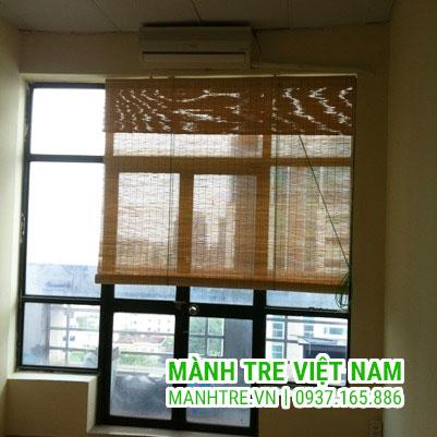 Lắp đặt mành trúc che nắng phòng làm việc nhà anh Trung ở Hà Nội
